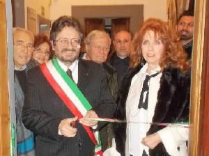 L'assessore Gianpiero Fossi con Anna Maria Guarnieri
